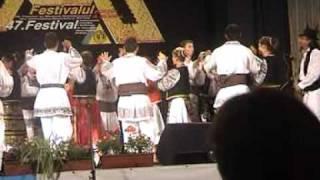 S.C.A. Mihai Eminescu din Straja,  montaj folcloric ,, Canepa``.MPG