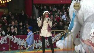 Miley Cyrus - I Thought I Lost You - Macy's Thaksgiving Day Parade