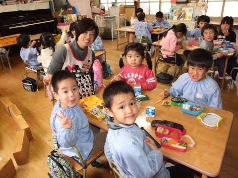 131128福島県会津若松市・若松第三幼稚園「年中さんのランチタイム」