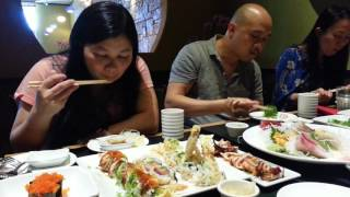 Ăn cá tươi nuốt sống .Japanese SuShi And Sashimi .