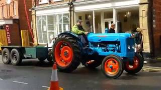 preview picture of video 'Ellesmere Shropshire 2014 Carnival The Vintage Tractors'