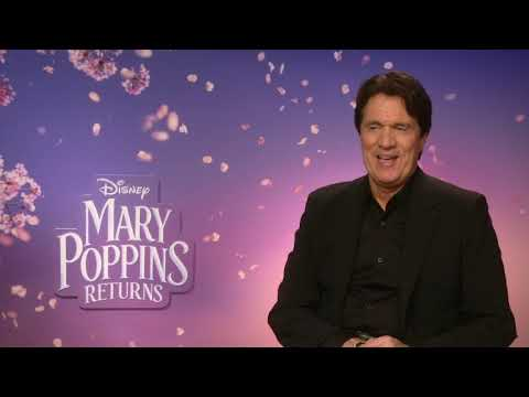 """""""Chicago"""" and """"Mary Poppins Returns"""" director Rob Marshall won his first award for an essay about composer Steven Foster. (Jan. 8)"""