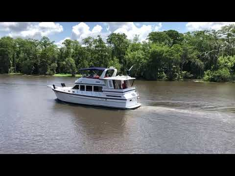 Jefferson 46 Sundeck video