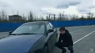 Как открыть любую машину с помощью домкрата