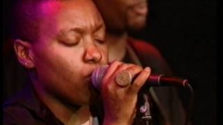 Meshell Ndegeocello - Shootin'n Up And Gett'n High