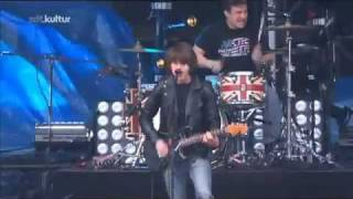 Arctic Monkeys - The View From The Afternoon - Hurricane - 19.06.2011