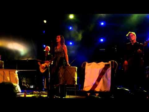 Laura Jansen - Light hits the room (Live Zandstock Festival 2013)