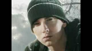 """Bad Meets Evil-A Kiss Eminem ft. Royce Da 5'9"""""""