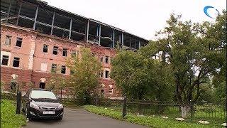 Компанию «СтройКом» обязали привести в порядок здание бывшей бани на Великой