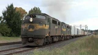 preview picture of video 'V'Locitys and Container train at Castlemaine.  Sun 13/03/11'