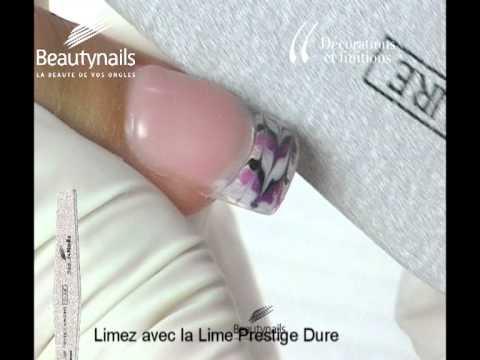 Décoration avec les Gels UV et les Nail Art Painter