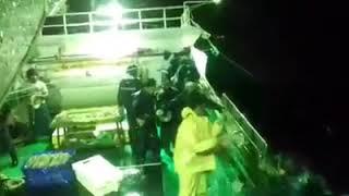 "Kerja Kapal Ikan Di Terjang Badai ""longline Taiwan"""
