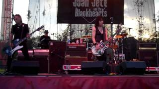 JOAN JETT I LOVE PLAYING WITH FIRE  LIVE