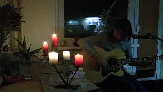 Video Martin Hejnák - 8. domácí koncert v Dánské (u okna v kuchyni)