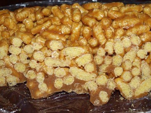 Тортик из кукурузных палочек. Чак чак из кукурузных палочек. Торт без выпечки из кукурузных палочек.