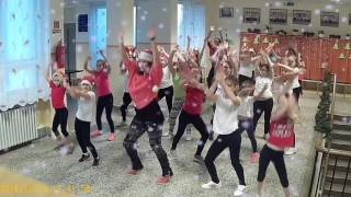 🎄 Miley Cyrus - Rockin around the christmas tree - DanceFitness Kids - Kiskunlacháza