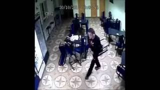 Драка. Разнесли все кафе.Fight. Smashed all the cafe.