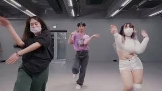 Ava Max - Kings & Queens / Tina Boo Choreography