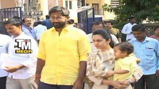 బాలకృష్ణ చిన్న కూతురుని  చూడండి Balakrishna Daughter Tejaswini Cast Vote