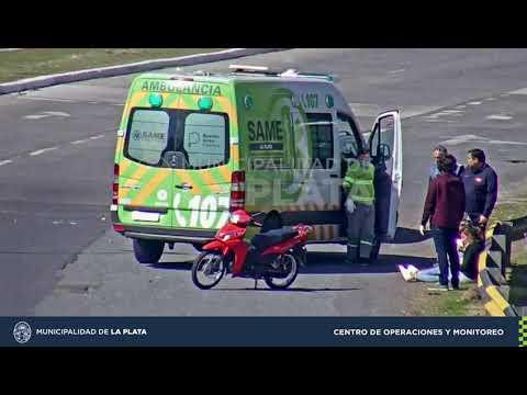Otro accidente vial que captan las cámaras de seguridad en Centenario y 516