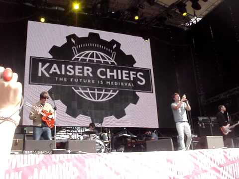 long way from celebrating - kaiser chiefs(live@moscow)