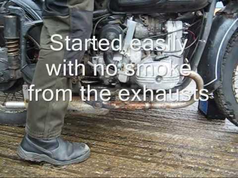 Die Anlage für die Produktion des Benzins aus dem Müll von den Händen