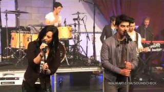 "Demi Lovato & Joe Jonas ""Wouldn´t change a thing""- Live on Walmart Soundcheck"