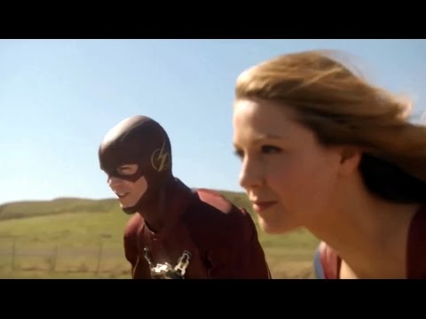 the flash meets supergirl for the first time supergirl 1x18