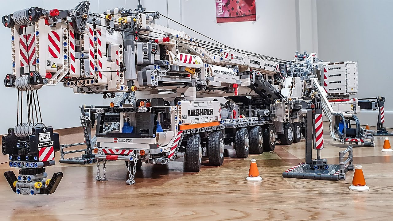Lego Technic Liebherr LTM 11200 Crane Final Test MOC by Jeroen Ottens