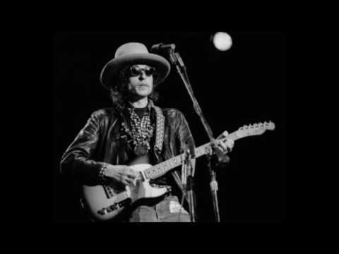 Bob Dylan - Maggie's Farm (Live 1976)