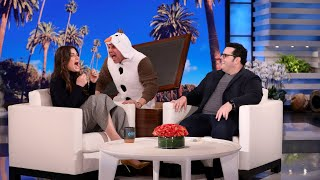 Idina Menzel Gets a Scare from Olaf