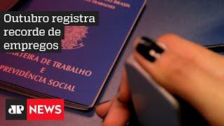 Brasil pode terminar o ano com perda zero de empregos com carteira assinada, afirma Paulo Guedes