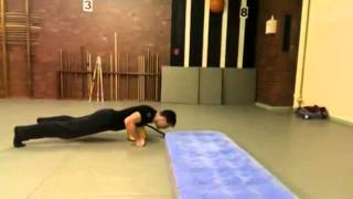 preview picture of video 'How to blow up a Luftmatratze like a Ninja - useful fitness'