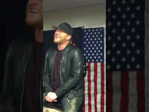 Cole Swindell - Break Up In The End - Acoustic - Live