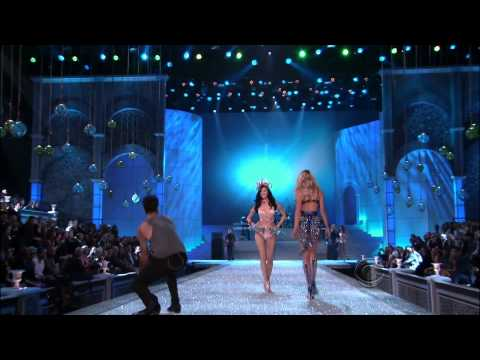 Maroon 5 ,HD,Moves Like Jagger ,live Victoria's Secret Fashion Show 2011 ,HD 1080p
