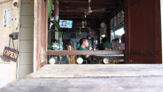 preview picture of video 'Old riverside wooden Thai restaurant at Chachoengsao , Thailand ฉะเชิงเทรา'