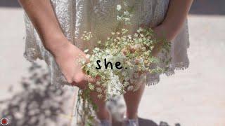 Dodie - She (Lyrics)