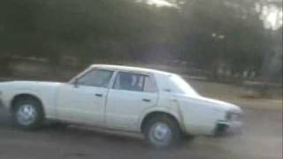 preview picture of video '1975 toyota crown jumps into a lake, must see!'