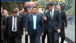 Прем'єр-міністр України інспектував ремонт доріг в області