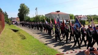 Przemarsz ulicami - Jubileusz 70-lecia OSP Świerzowa Polska