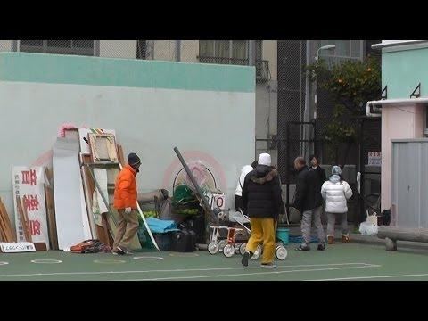 2013 12 23 松葉小学校校庭  大掃除