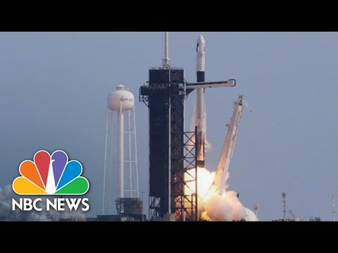 Internet Satellites Continue to Crowd the Skies — SpaceX and OneWeb Lead the Way