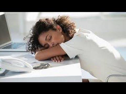 I dolori nel fondo di un dorso a gravidanza danno a una gamba