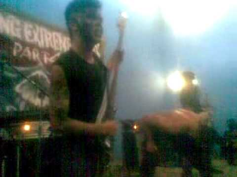 Xicyous live 4 song & Intro at Blitar