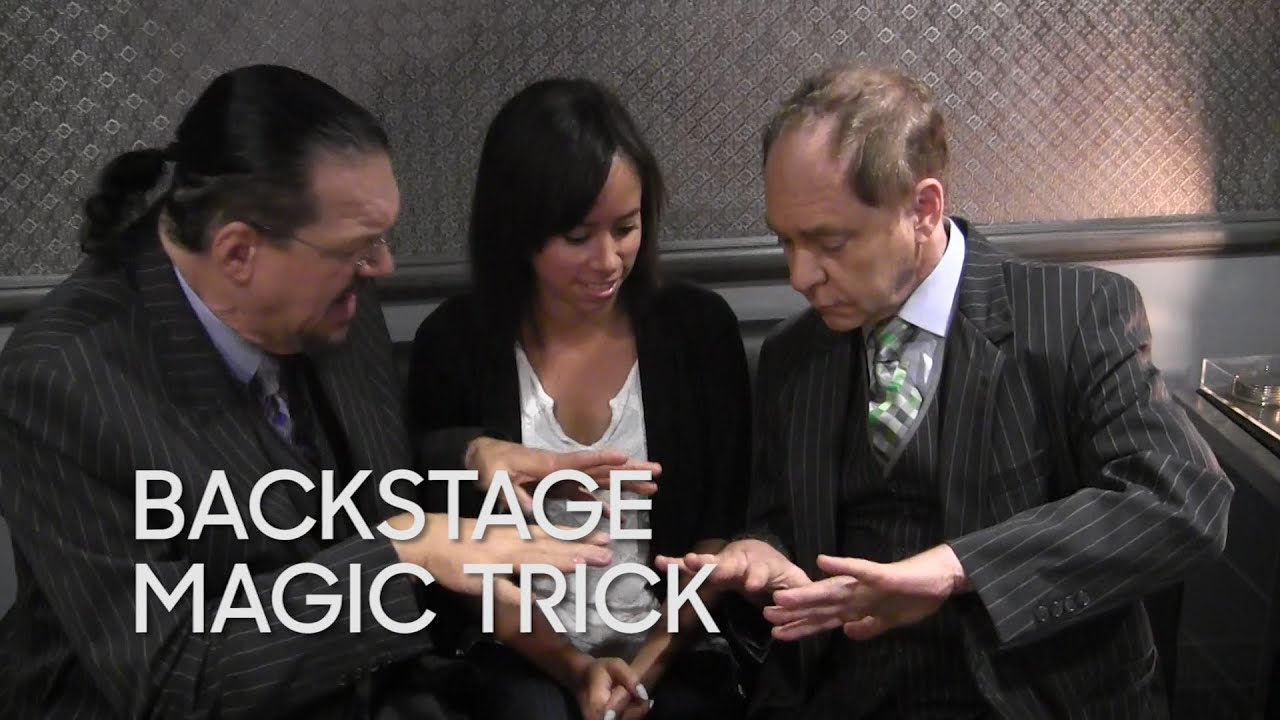 Backstage Magic Trick: Penn and Teller thumbnail