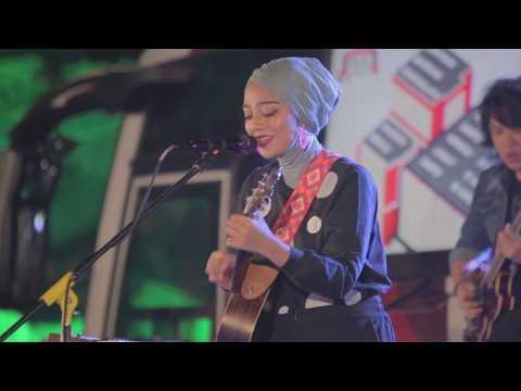 Chiki Fawzi - Halo Jelita (MLDSPOT Stage Bus Jazz Tour 2018, Bekasi)
