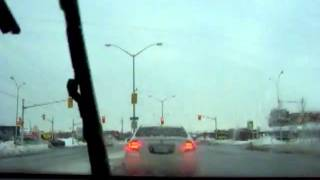 preview picture of video 'Canada, Ontario, London : Left turns on red, reprise...'
