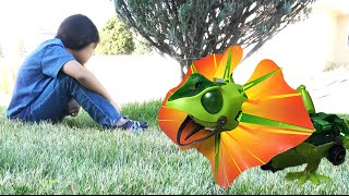 Real DRAGON attacks a little girl |  OWI Kingii Dragon Robot Toy Review