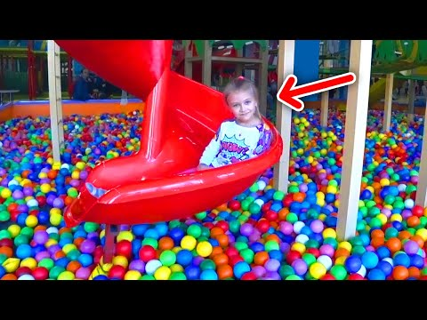 Детская площадка для детей с Ярославой | Indoor Playground for kids видео
