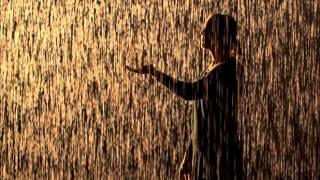 Video OFF -  Blázon v daždi